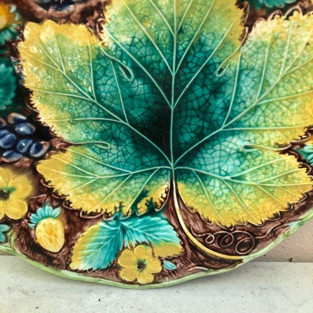 Victorian C.1850 English Majolica Grapes Plate Samuel Alcock For Sale - Image 3 of 6