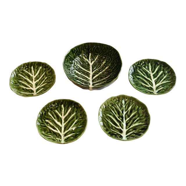 Vintage Green Cabbage Ware Vegetable Tabletop Plates and Bowl – Set of 5 For Sale