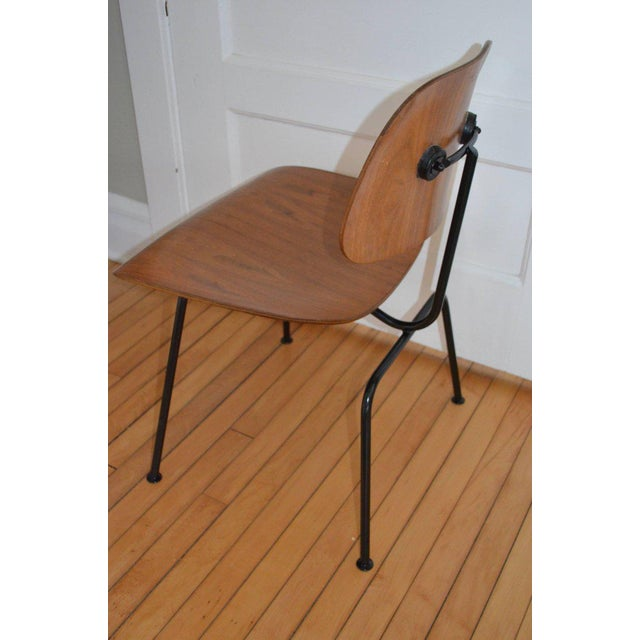 Dozens of Herman Miller Eames 1950s Walnut Dining Room Chair With New Hm Frames For Sale In Madison - Image 6 of 11