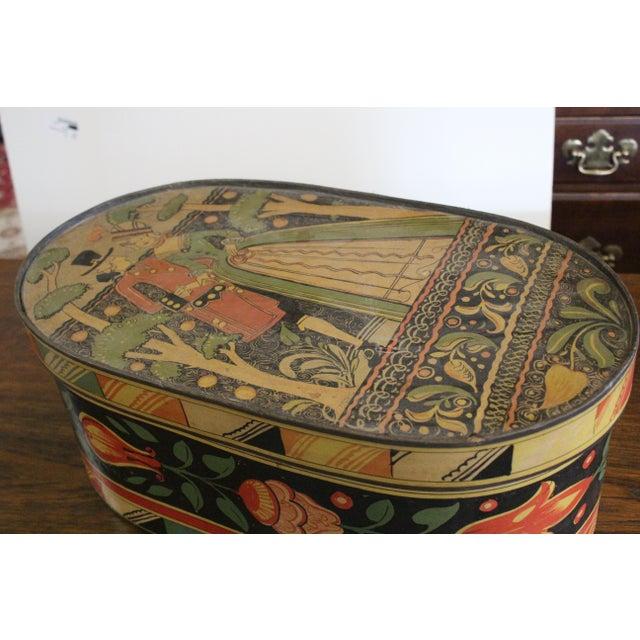 Art Deco 20th Century Art Nouveau Band Hat Box For Sale - Image 3 of 9