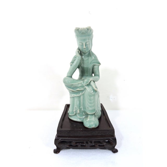 Exquisitely detailed vintage statue of Guan Yin the Asian Goddess of Mercy. This was skilfully hand made in Korea in the...