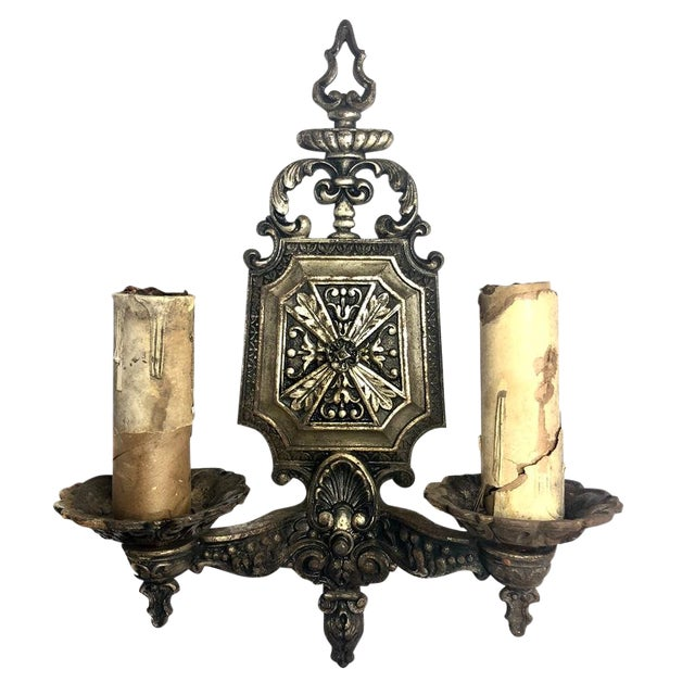 1930s Antique Gothic Victorian Cast Iron Wall Sconce Light For Sale
