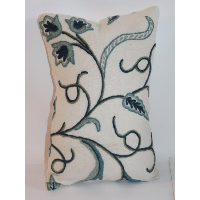 This beautiful miniature pillow is in amazing condition and is a great addition to any already existing set up. This...