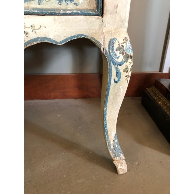1950s Shabby Chic Italian Cream Hand Painted Chest of Drawers For Sale In Minneapolis - Image 6 of 12