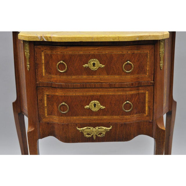 French Louis XV Style Inlaid Marble Top Bombe Nightstand For Sale - Image 4 of 11