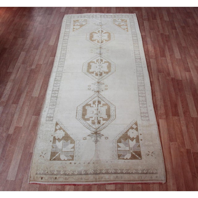 Vintage Turkish Oushak Rug - 4′4″ × 9′6″ For Sale - Image 11 of 11