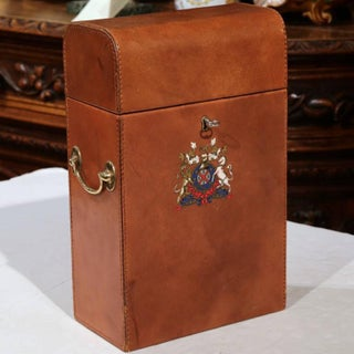 Early 20th Century French Leather Wine Bottle Storage Case with Engraved Crest Preview