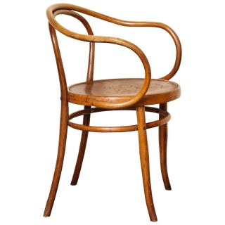 Bentwood B-9 Chair by Michael Thonet, Manufactured by Jacob & Josef Kohn For Sale