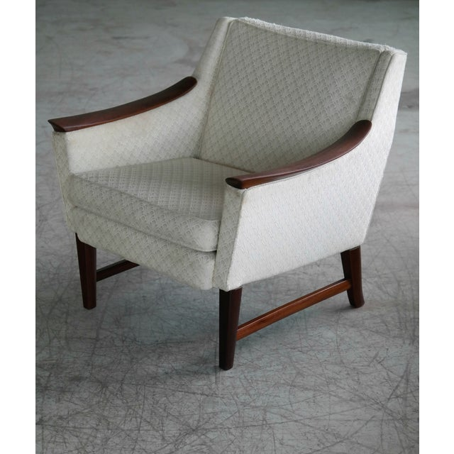 1960s Danish Midcentury Pair of Lounge Chairs in Walnut in the Style of Ole Wanscher For Sale - Image 5 of 10