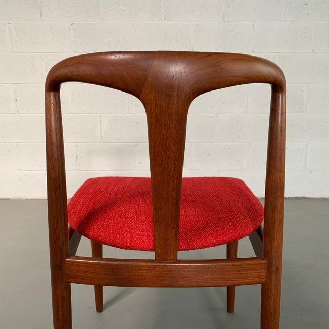"Wood Vintage Mid Century Danish Modern Teak ""Juliane"" Chair For Sale - Image 7 of 10"