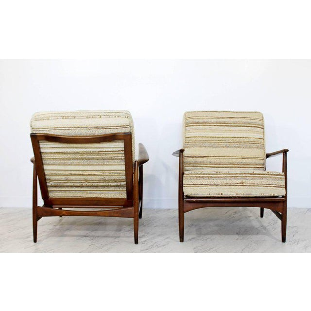 Mid-Century Modern Pair of Kofod-Larsen Selig Lounge Armchairs Denmark, 1960s For Sale In Detroit - Image 6 of 11