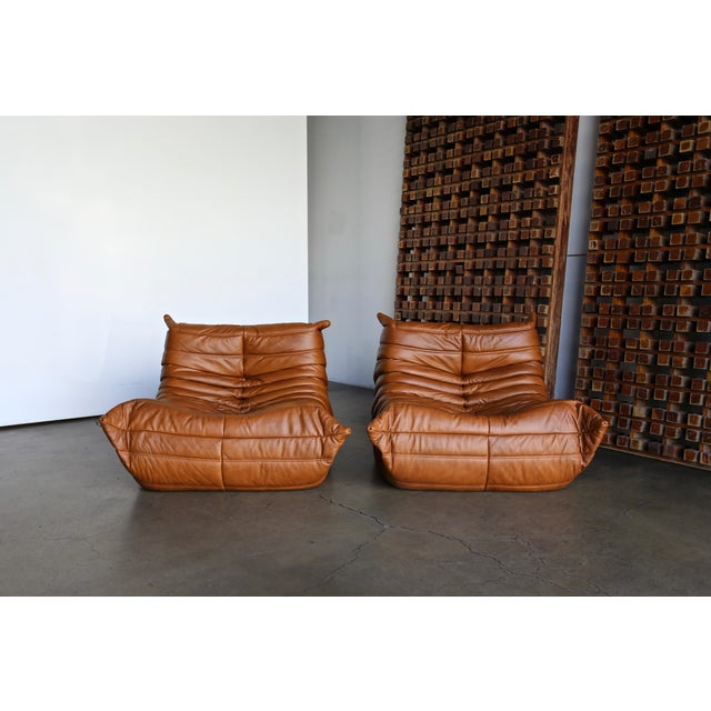 """Ligne Roset Michel Ducaroy for Ligne Roset """"Togo"""" Leather Lounge Chairs - a Pair For Sale - Image 4 of 13"""