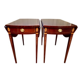 1990s American Classical Councill Craftsman Drop-Leaf Oval Pembroke Side Tables - a Pair For Sale