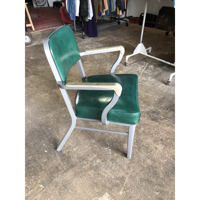 Atomic era Steelcase arm chair in a fabulous shade of emerald green . Cool look, and extra comfortable. This versatile...