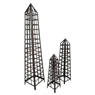 Iron Trellis Pillar Set of Three For Sale