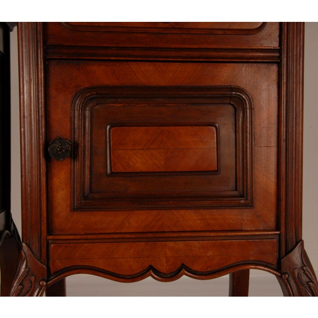 French Victorian Nightstands on Castors Rose Veneer Carved Wood Marble Top - a Pair For Sale - Image 10 of 12