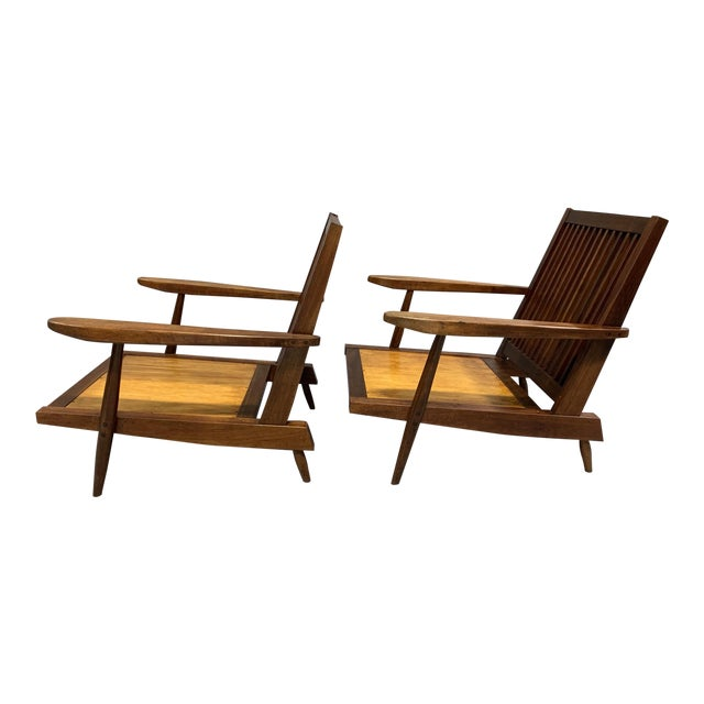 George Nakashima Pair of Spindle Back Lounge Chairs For Sale