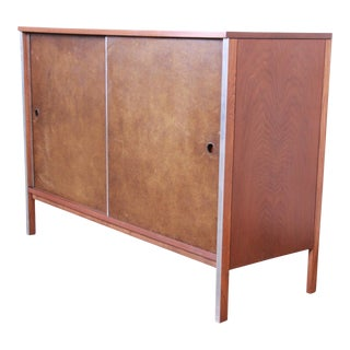 Paul McCobb for Calvin Mid-Century Modern Walnut Sliding Door Credenza or Record Cabinet, 1950s For Sale