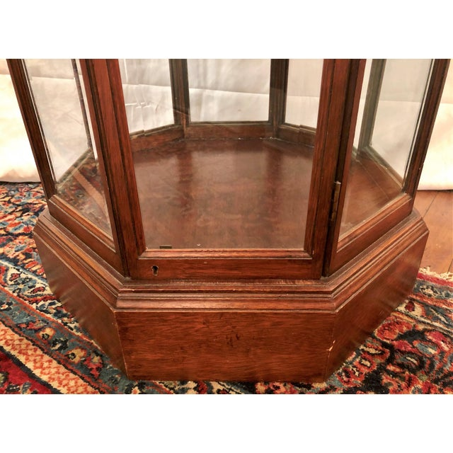 Late 20th Century Hand-Made American Octagon-Shaped Mahogany Display Cabinet With Beveled Glass. For Sale - Image 5 of 6