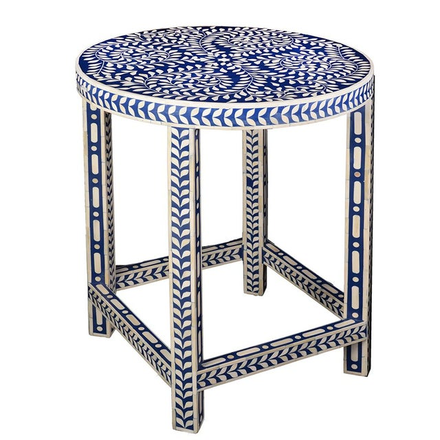 Imperial Beauty Round Table Foyer in Indigo/White For Sale In Greensboro - Image 6 of 6