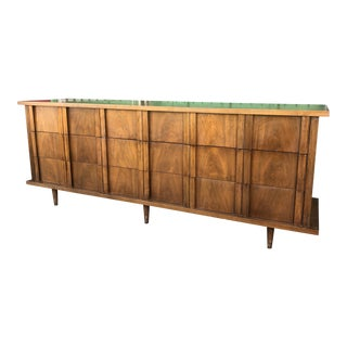 1960s Mid Century Modern Nine Drawer Dresser by American of Martinsville For Sale