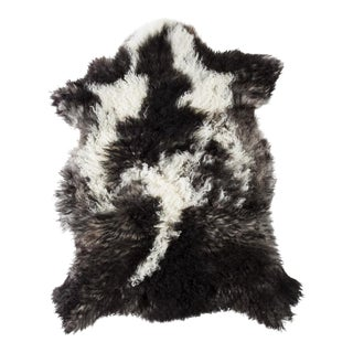 """Contemporary Natural Sheepskin Pelt - 2'4""""x3'0"""" For Sale"""