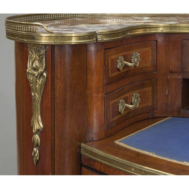Early 20th Century French Louis XV Mahogany Kidney Shaped Ladies Desk For Sale - Image 10 of 11