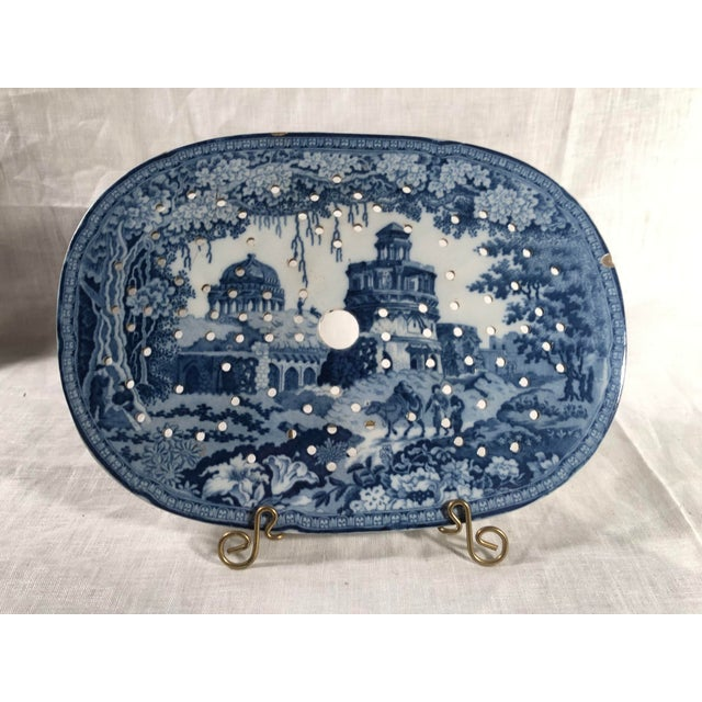 Staffordshire Blue and White Monopteros Pattern Meat Drainer For Sale In Washington DC - Image 6 of 6