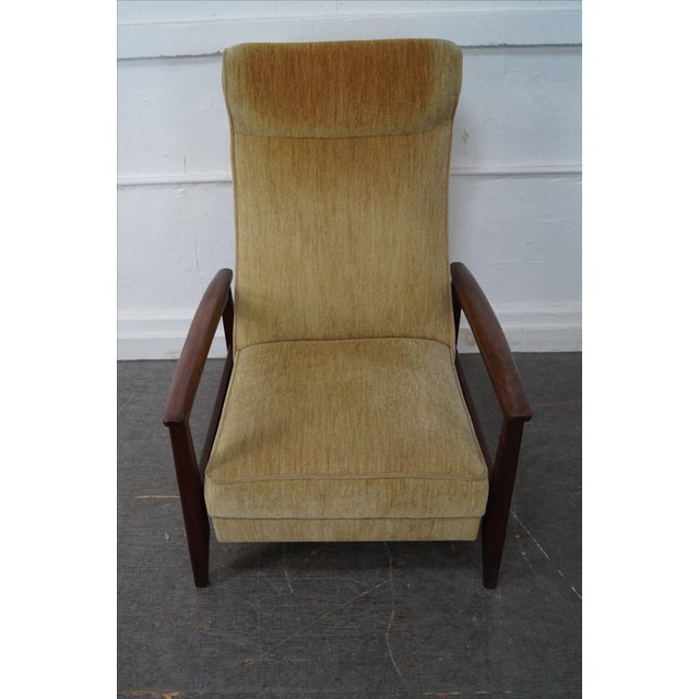 This high quality, vintage solid walnut reclining lounge arm chair was built in America approximately 50 years ago. Made...