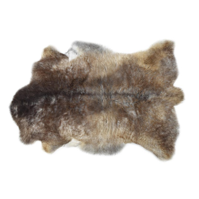 "Wool Sheepskin Pelt Handmade Rug - 2'6"" x 3'8"" - Image 2 of 8"