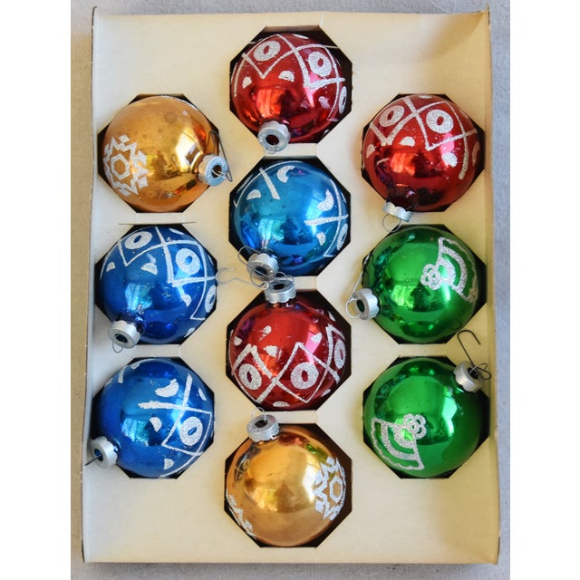 Adirondack Midcentury Vintage Colorful Christmas Tree Ornaments W/Box - Set of 10 For Sale - Image 3 of 10