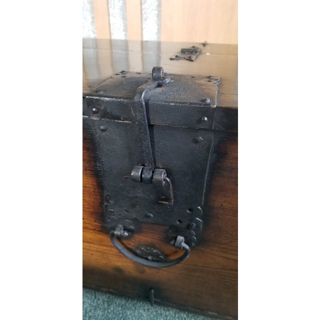 Late 19th Century Antique Korean Dowry Small Chest For Sale - Image 5 of 12