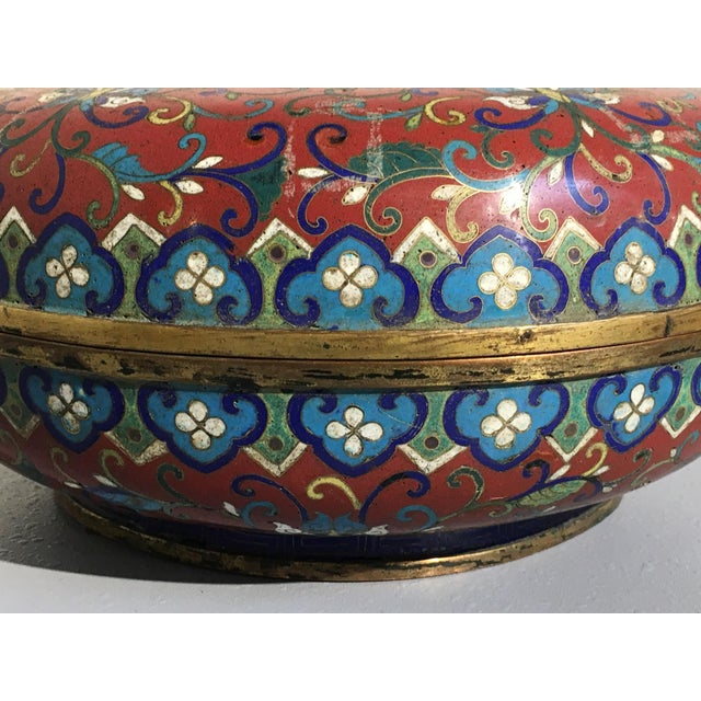 Large Chinese Qing Dynasty Red Cloisonné Round Box - Image 7 of 10