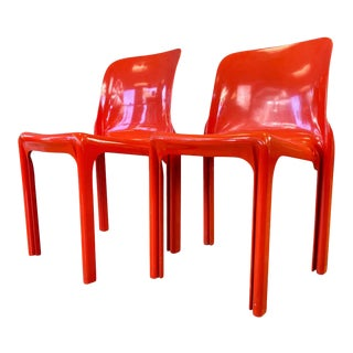 Pair of Vico Magistretti Designed Selene Stacking Chairs for Artemide in Red For Sale