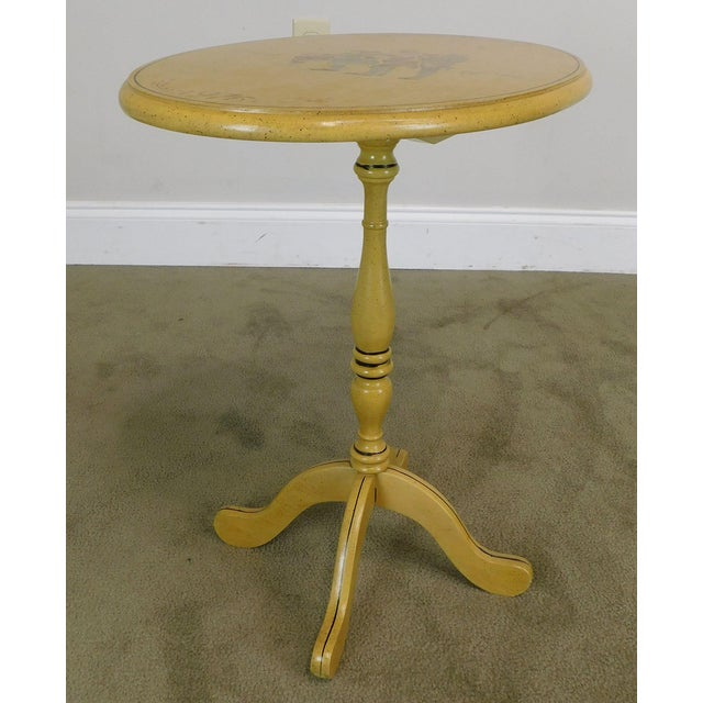 Traditional Bicentennial Colonial Yellow Stenciled Tilt Top Oval Side Table by Lock For Sale - Image 3 of 13