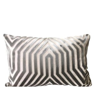 "Contemporary Mary McDonald for Schumacher Vanderbilt Dove Grey Velvet Double Sided Pillow Cover - 16"" X 24"" For Sale"