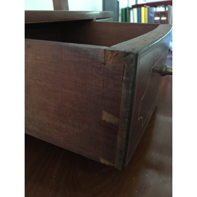 1800-1810 Antique Federal Mahogany Bow Front Dressing Glass For Sale - Image 9 of 11
