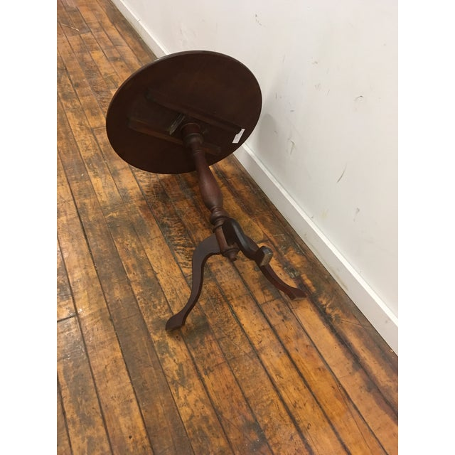Traditional Table - 19th Century Traditional Walnut Tilt Top Table For Sale - Image 3 of 9