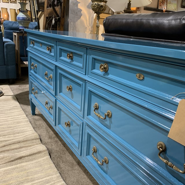 1960s French Heritage Furniture Lacquered Nine Drawer Dresser For Sale In Las Vegas - Image 6 of 13