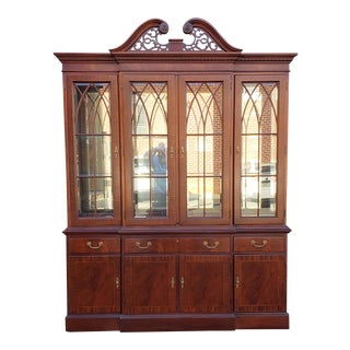 Ethan Allen Mahogany 18th Century Classics Collection Dining Room Breakfront China Cabinet 22-6549 1990s For Sale