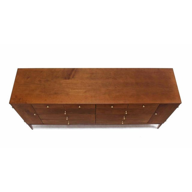 Birch Extra Long Mid Century Modern Planner Group Paul McCobb Dresser 20 Drawers For Sale - Image 7 of 9
