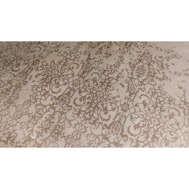 "Origin: India Size: 8'1"" x 10'1"" Design: Transitional Material: Bamboo Silk Primary Color: Cream Secondary Color: Mocha..."