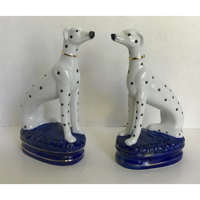 Early 20th Century Vintage Staffordshire Style Porcelain Dogs - a Pair For Sale - Image 5 of 5