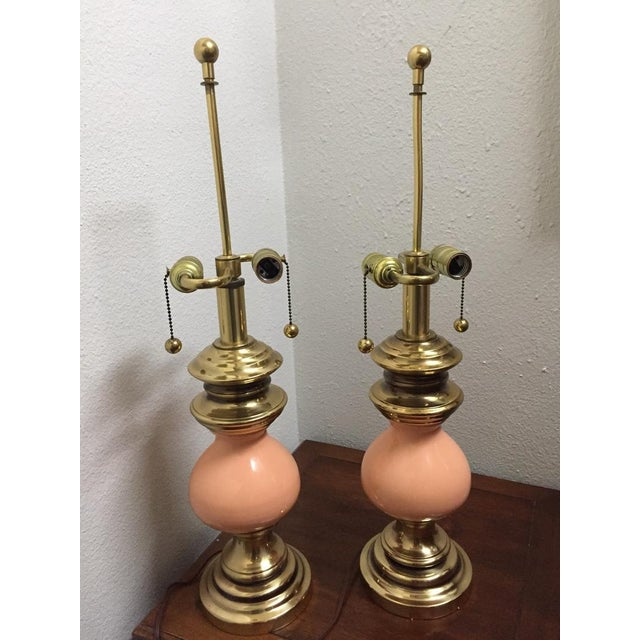 1970s Vintage Stiffel Peach Ceramic and Brass Table Lamps With Earring Pull Switch - a Pair For Sale - Image 5 of 6