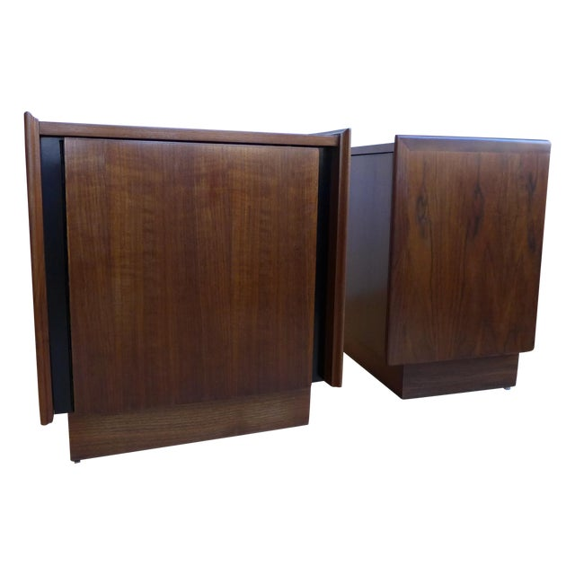 Dillingham Walnut Nightstands - A Pair For Sale