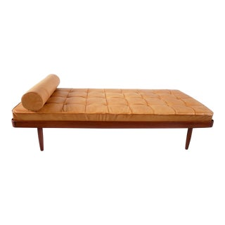 Horsnaes Møbler daybed executed in solid teak and aniline leather. Denmark, ca. 1955