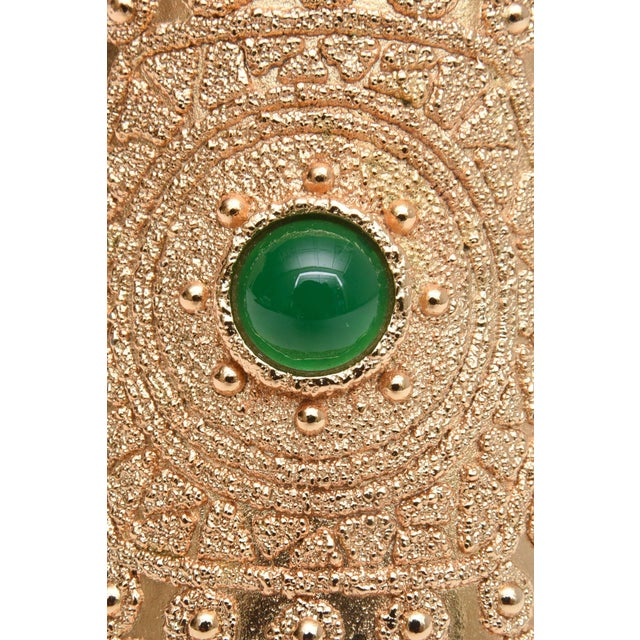 1970s Vintage Napier Textural Gold Plated Green Glass Cuff Bracelet For Sale - Image 5 of 10
