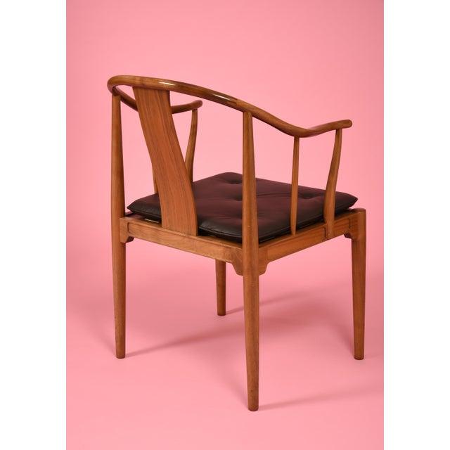 Fritz Hansen Hans J. Wegner China Chairs for Fritz Hansen, Set of Four, Circa 1944 For Sale - Image 4 of 10