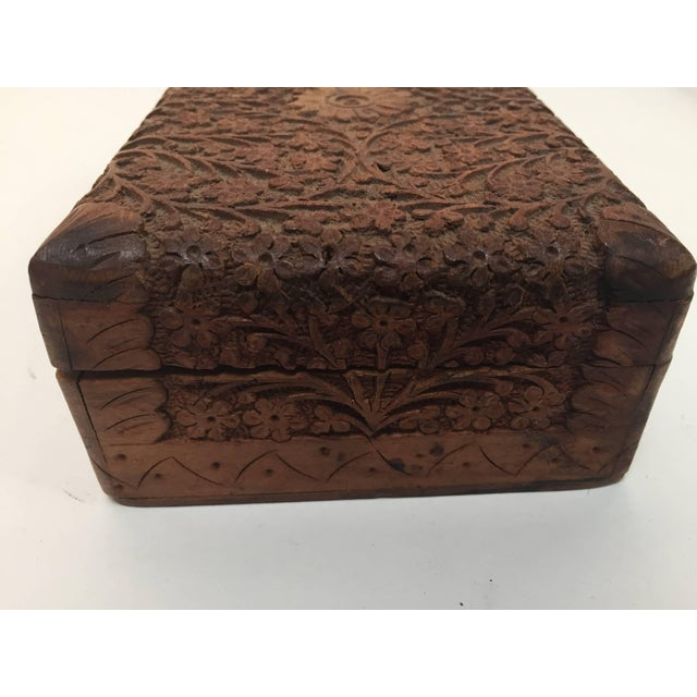 Sandalwood Anglo Raj Hand-Carved Decorative Box For Sale - Image 7 of 10