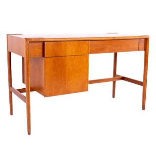 1960s Mid-Century Modern Barney Flagg for Drexel Parallel Walnut Desk For Sale